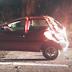 Condutor abandona veículo após capotar em Lacerdópolis
