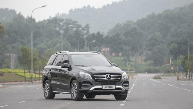 Đánh Giá Xe Mercedes Benz GLE400 Exclusive 4Matic 02