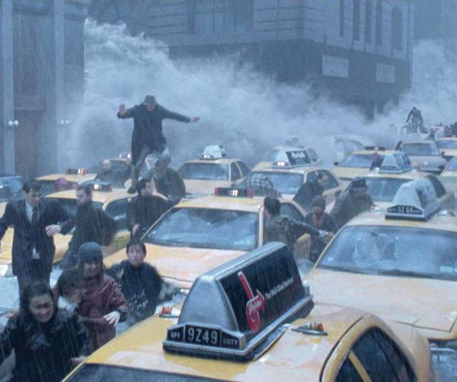 No filme, mar invade Nova Iorque, mas para profetas verdes é realidade!