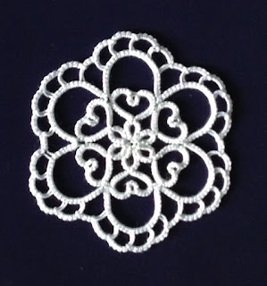 Sumie Fujishige_Tatting Lace Nice Items_motif30-hearts