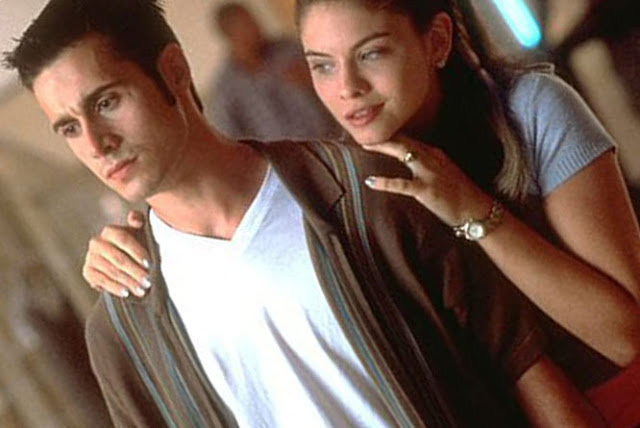 ROMKOM 'SHE'S ALL THAT' (1999) ПОЛУЧАЕТ ПЕРЕЗАГРУЗКУ NETFLIX: 'ОН ВСЕ ЭТО'