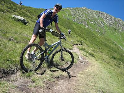 Pengertian dan jenis-jenis sepeda MTB