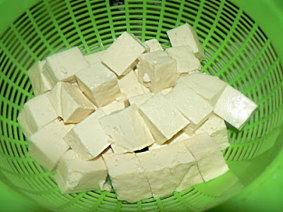 豆腐の水分を切る