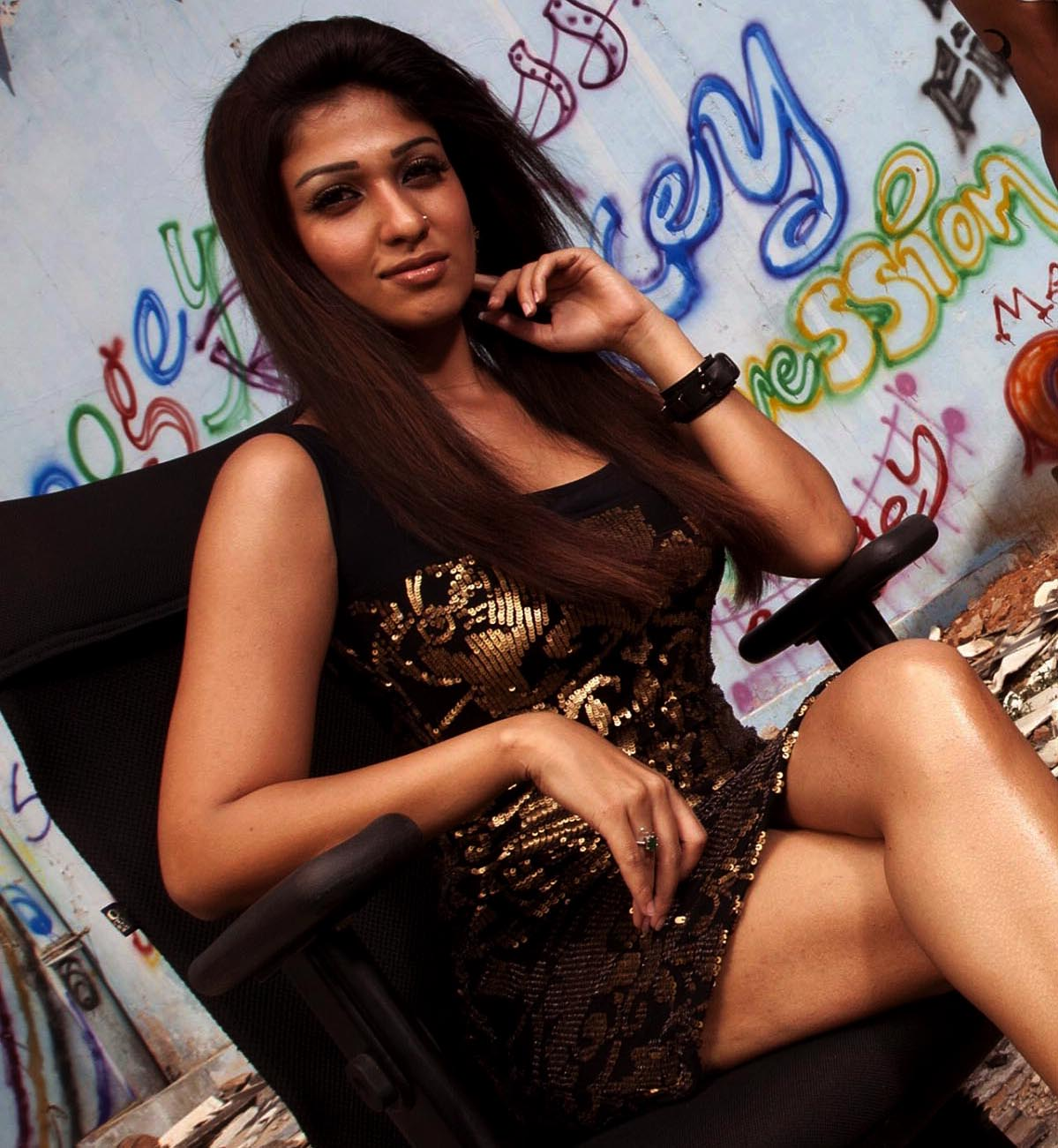 Hot Gallery Indian Actress Nayanathara Latest Hott Pic-9004
