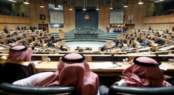 الكشف عن تهم أردنيين معتقلين في سوريا ونائب أردني يهاجم وزير خارجية بلاده