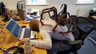 Schreibflaute im Büro lustige Bilder