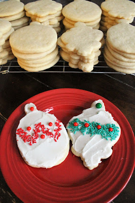 12 Ways to Spread Joy During the Holidays - Bake Cookies for Neighbors