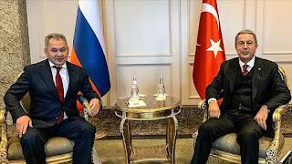 وزيرا دفاع تركيا وروسيا يبحثان التطورات في إدلب وليبيا