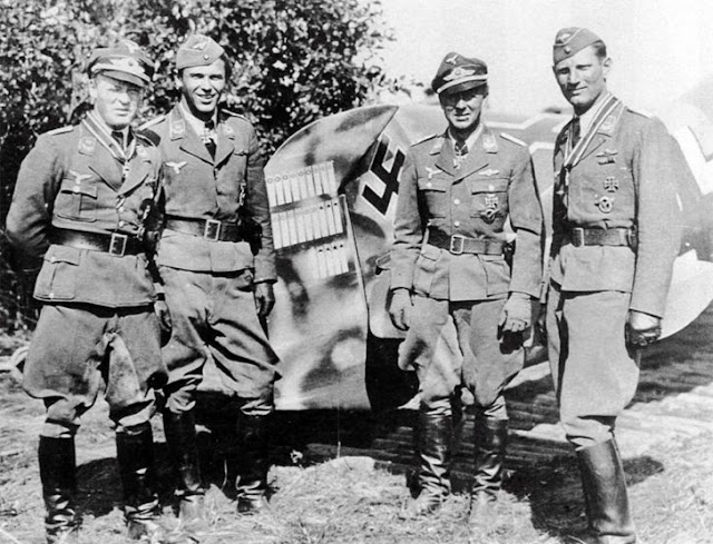 Pilots of 5,/JG54 in Russia, 6 August 1941 worldwartwo.filminspector.com