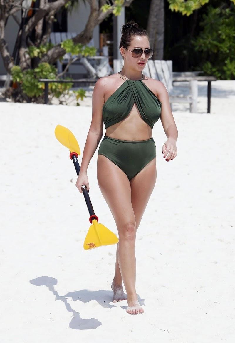 Chloe Goodman Clicked in Bikini – Paddle Boarding in Barbados