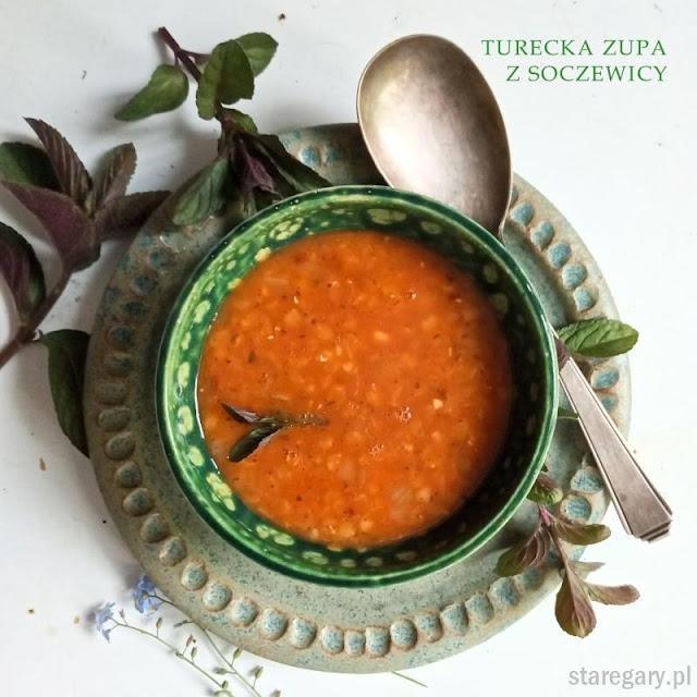 Turecka zupa z czerwonej soczewicy i kaszy bulgur