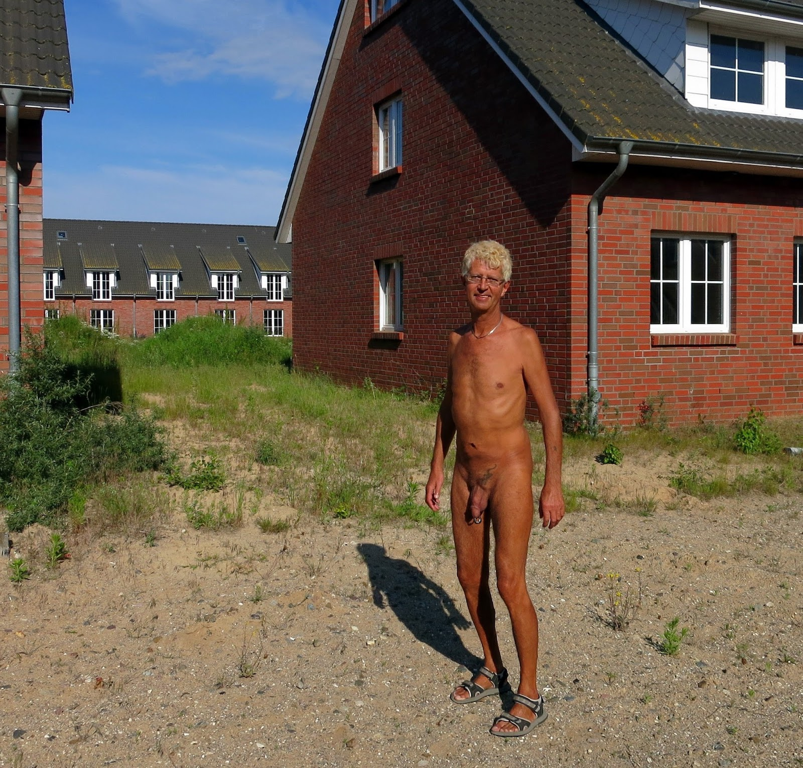 Male Nude Exhibitionist