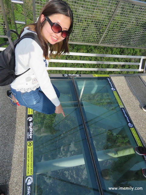 transparent glass view to the bottom at Langkawi skybridge