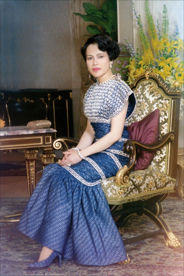 queen sirikit in younger days  40 beautiful color