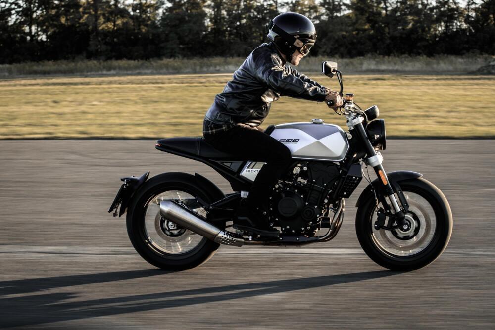 Brixton Crossfire 500 2020 ra mắt - mạnh 47 mã lực, nặng 190 kg