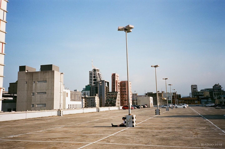 洛陽停車場頂樓
