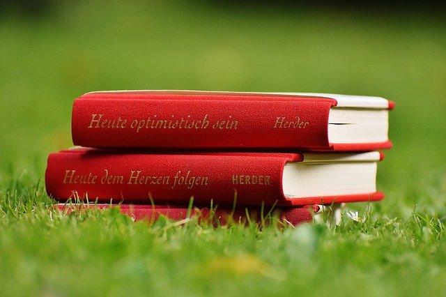 8 Best Self-Help Books in Hindi