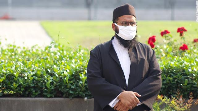 Cetak Sejarah, Pria Muslim ini Berhasil Jadi Imam Pertama di Badan Legislatif AS