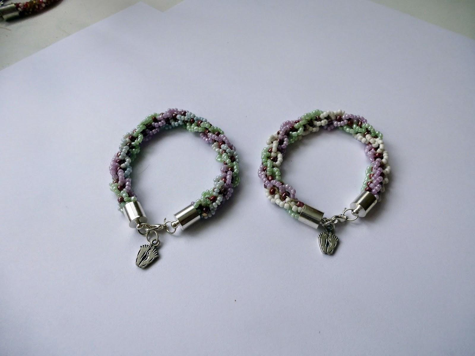 c13de01eafe5 Pokaże wam moje ulubione bransoletki wykonane metodą sznura tureckiego.  Jest to dość łatwa metoda pracy