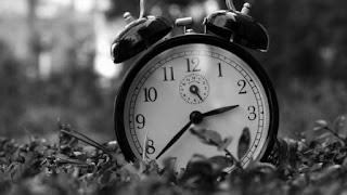 zaman,time,kişisel,hayatımızdaki bazı anlar,neler yaşıyoruz,hissettiklerimiz,nasıl bir andayız,zaman bazen durur,zamanın durması,hayatın durması,yaşamsal aktivite,