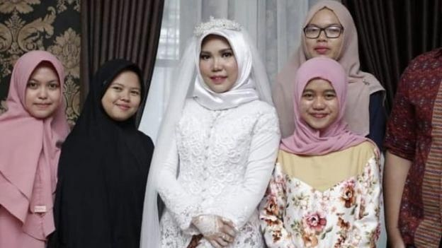 Lion Air JT610: Calon suami meninggal, Intan jadi pengantin sendirian