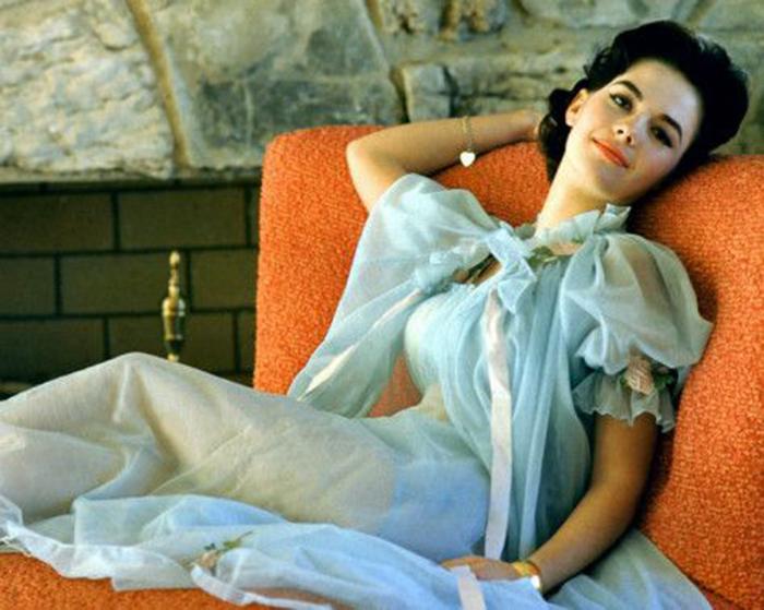vintage lingerie a-z peignoir