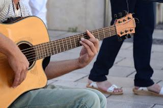 Jenis Senar Nylon terbaik untuk gitar akustik  anda