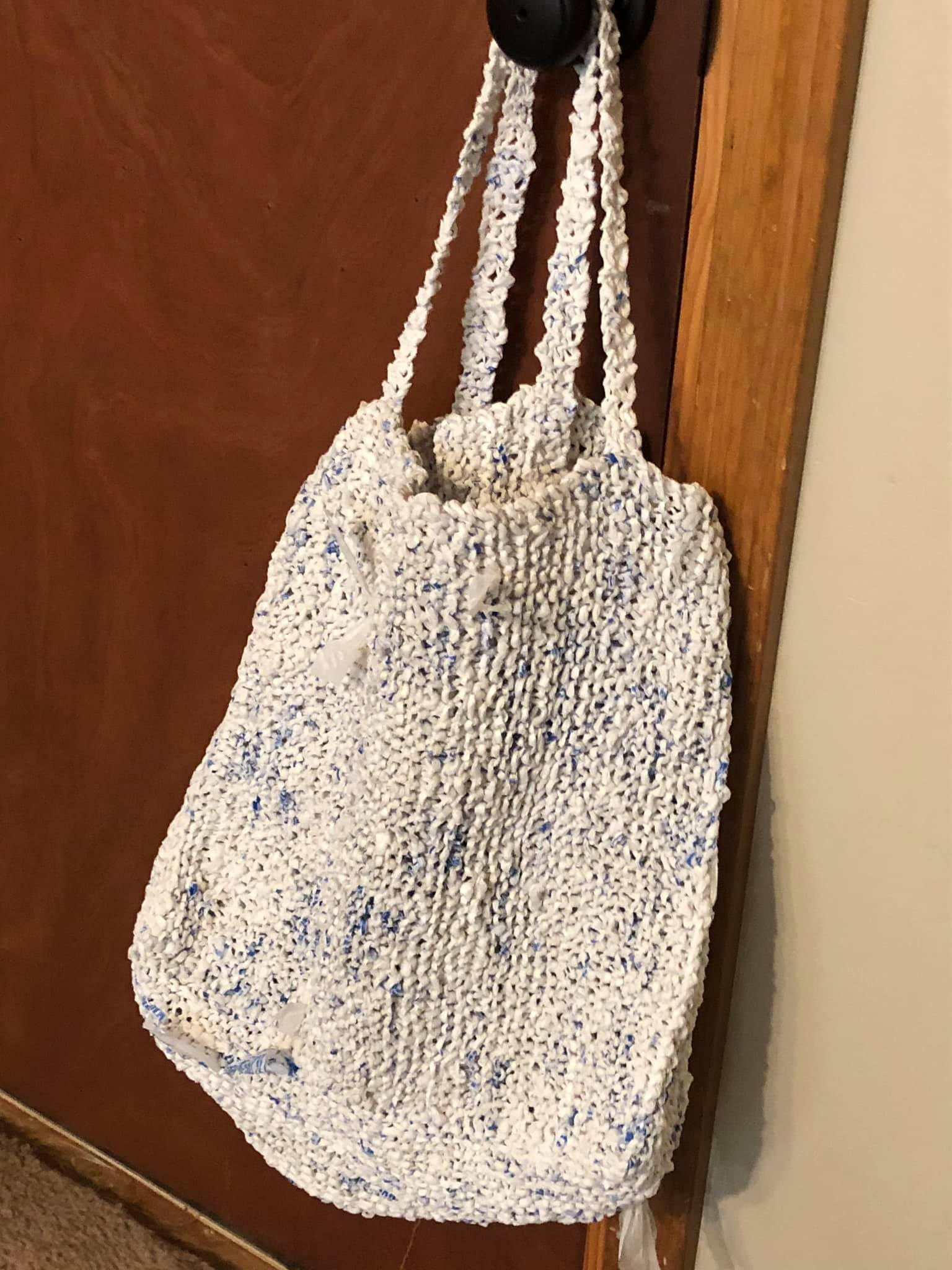 Plarn Projects: Reusable Grocery Bag - Free Knitting Pattern