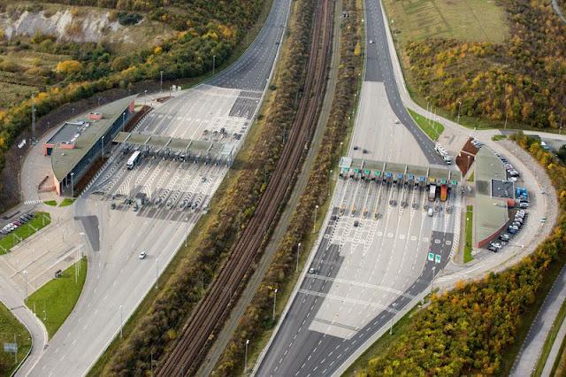 peaje desde el aire al puente-túnel Øresund