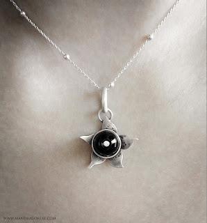 Neirahda Jewelry - Belladonna pendant