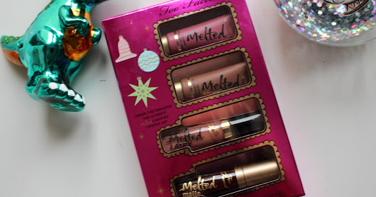 TOO FACED - Under the Kissletoe Christmas 2017