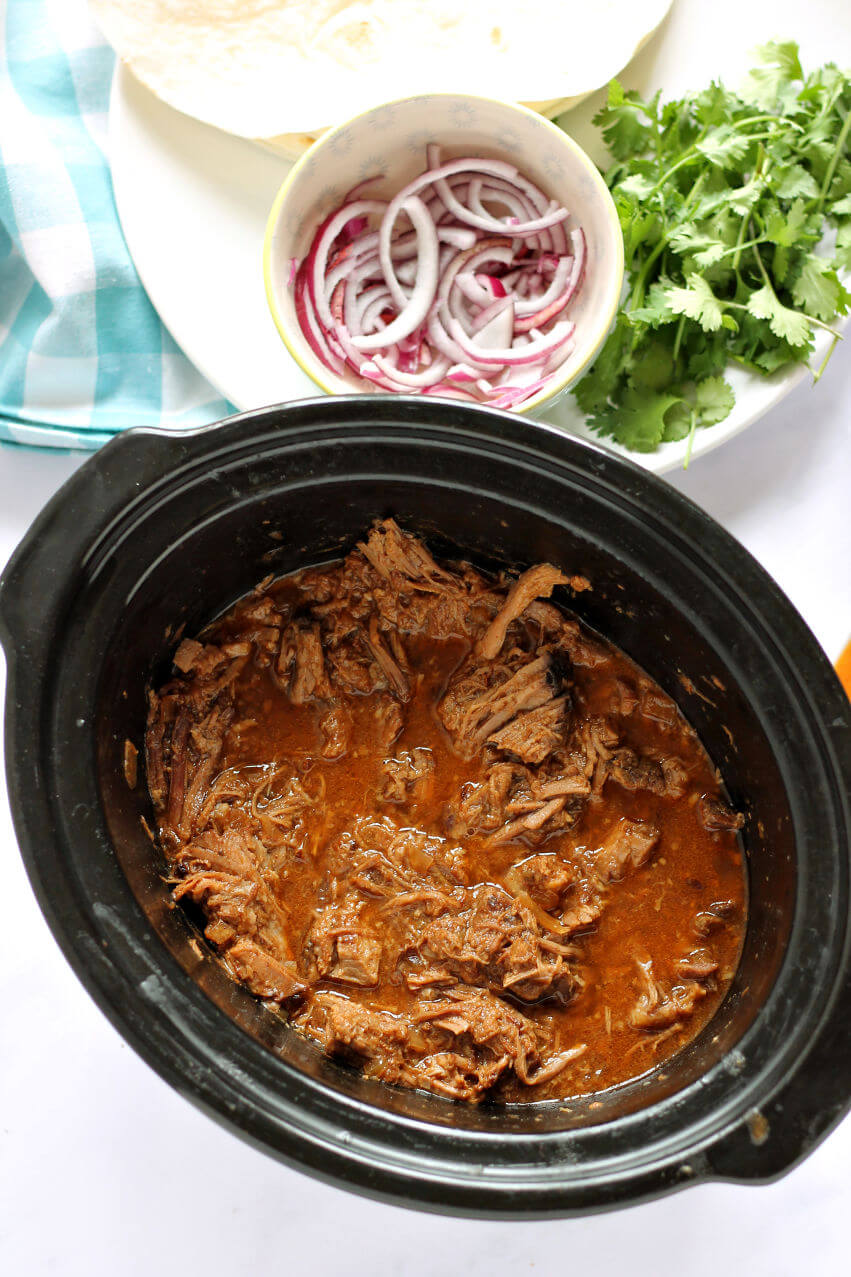 Slow Cooker Pulled Beef in Crock-pot