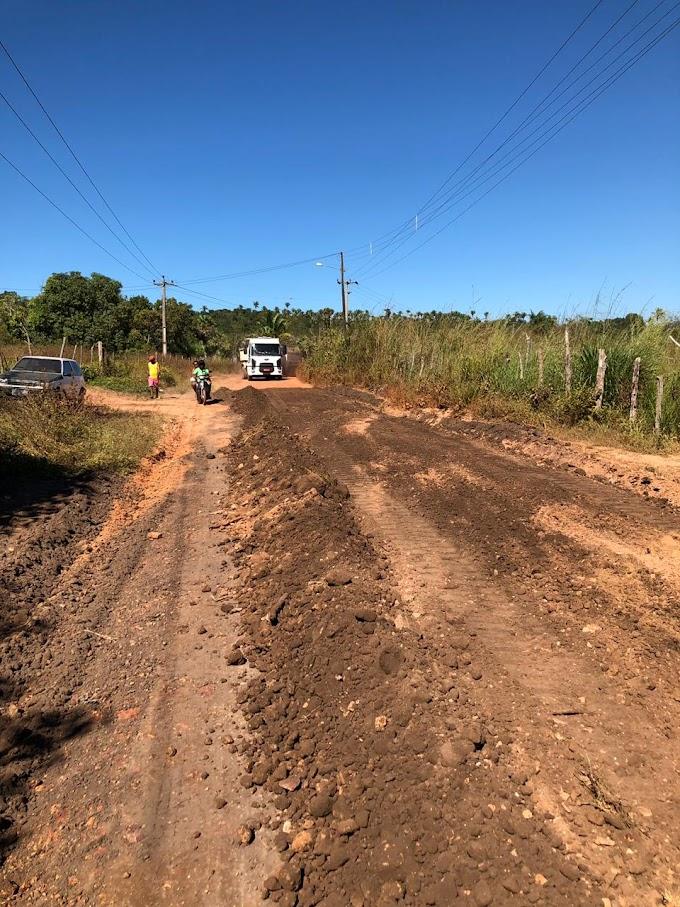 OBRAS - Prefeitura recupera mais 50 km de estradas vicinais em Caxias