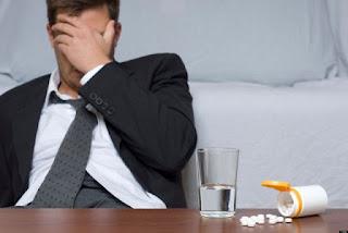 Beli obat alami keluar nanah dari kemaluan pria di apotik umum