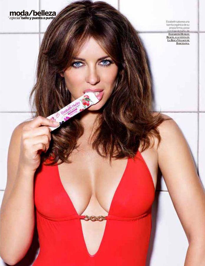 Hot women sucking penis
