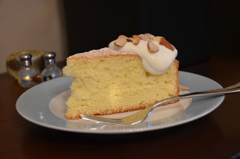 Playing With Flour: Almond Sponge Cake