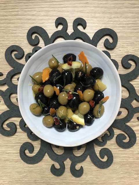 CÓMO HACER ACEITUNAS ALIÑADAS CASERAS ¡El aperitivo perfecto!