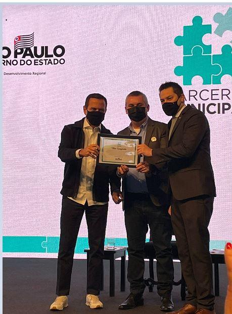 Ilha Comprida conquista a primeira colocação no prêmio estadual Parcerias Municipais Multidesafios - Cases Inovadores