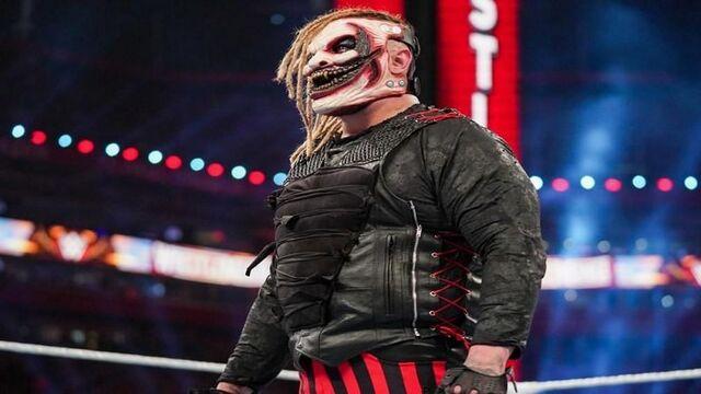 لماذا تم تسريح براي وايت من WWE؟ وكيف تفاعلت أليكسا بليس مع خبر تسريحه؟
