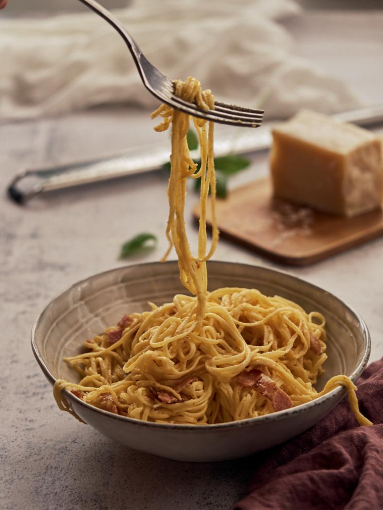 espaguetis caseros a la carbonara