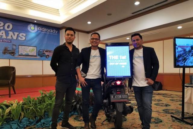 """Adroady luncurkan layanan terbaru iklan """"digital mobile"""" lewat sepeda motor"""