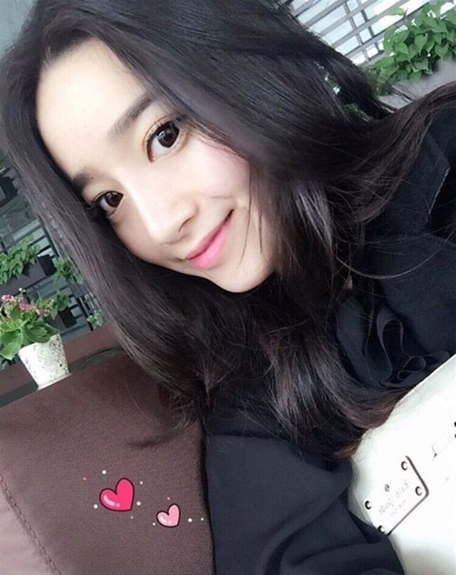 Elaine Beautiful girl of Beijing Normal University