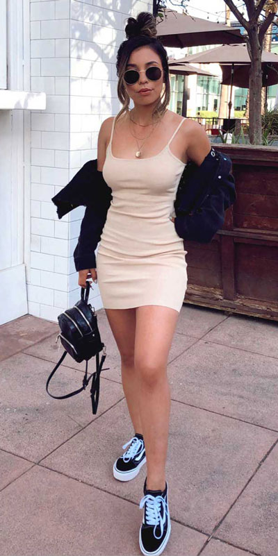 Transform your summer looks with these fashion-forward summer outfits for every summer occasion. Summer Outfit Ideas via higiggle.com | mini dress | #summeroutfits #fashion #style #minidress