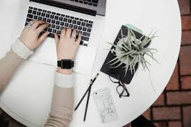 العديد من الطرق لكسب المال عبر الإنترنت