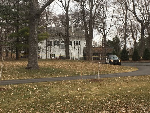 Police: 2 people dead in home of businessman Irwin Jacobs in Orono