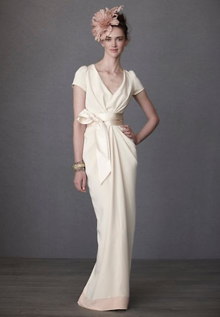 http://www.whiteazalea.com/bride/1346-chiffon-v-neck-a-line-simple-wedding-dress.html