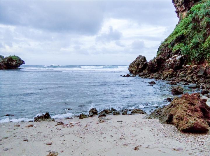 pantai ngelambor jogja