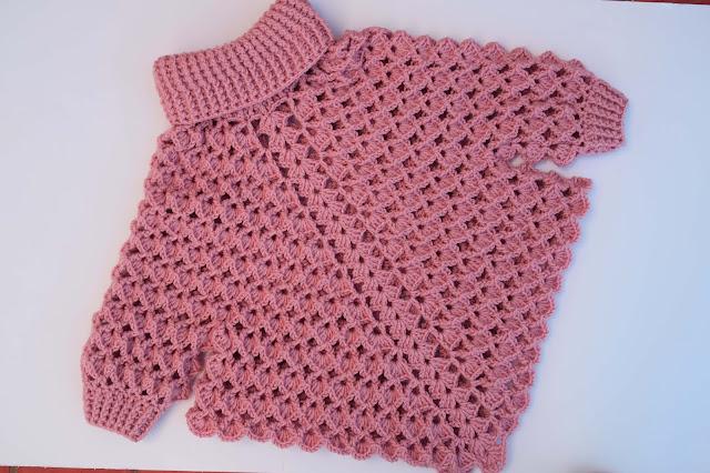 5 -Crochet Imagen Poncho con mangas a crochet y ganchillo por Majovel Crochet