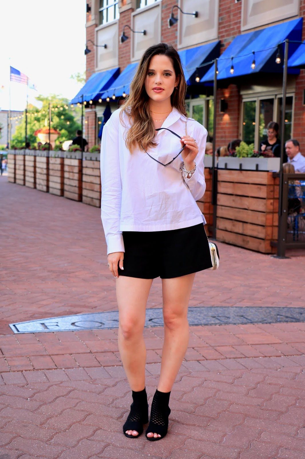 Nyc fashion blogger Kathleen Harper's white blouse outfit ideas