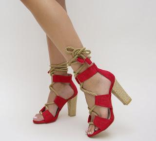 sandale rosii cu toc gros si snur pe picior